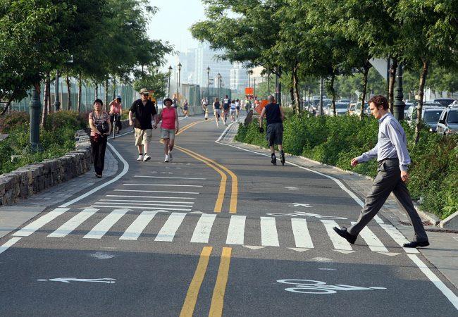 Caminabilidad: Eje de bienestar y desarrollo